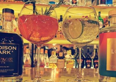 Photo de deux cocktail